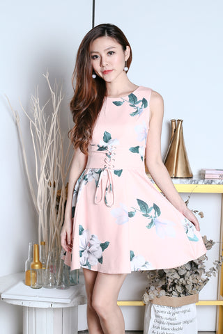 *PREMIUM* LINDSEY FLORAL WAIST TIE DRESS IN PINK