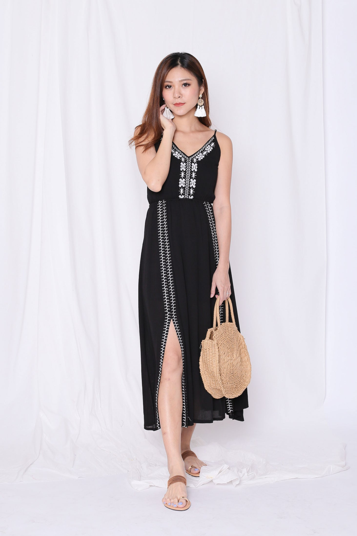 SELENZ EMBROIDERY MAXI IN BLACK