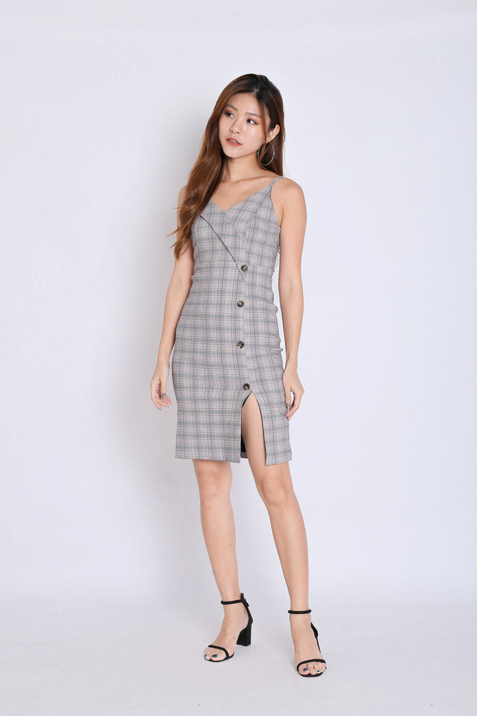 (PREMIUM) LIA GINGHAM BUTTON DRESS (V1) - TOPAZETTE