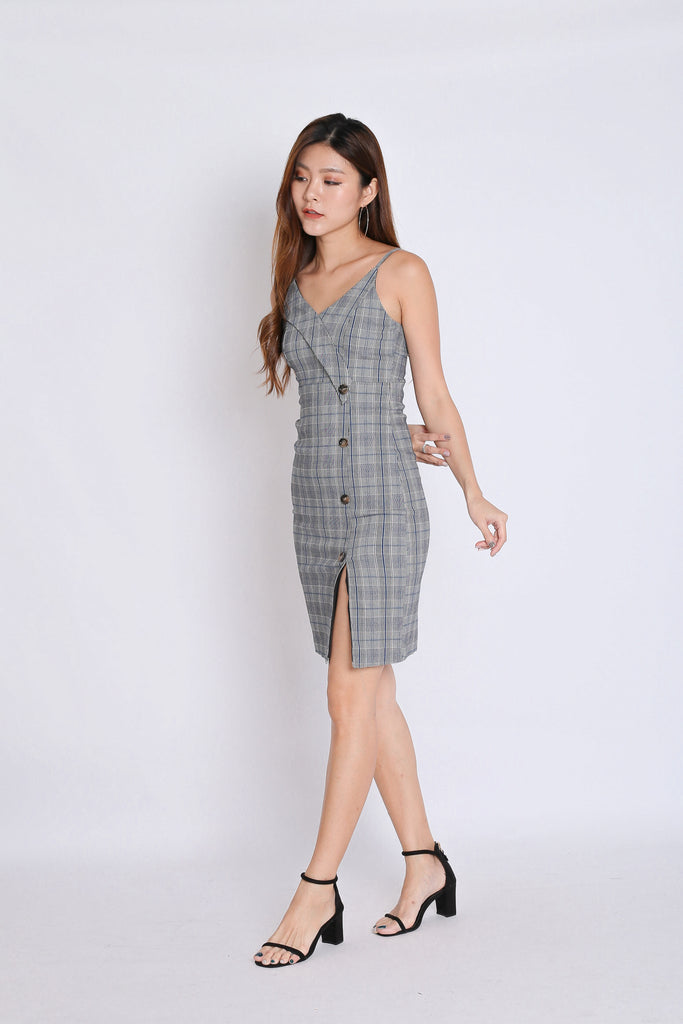 (PREMIUM) LIA GINGHAM BUTTON DRESS (V2) - TOPAZETTE