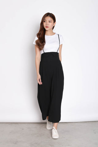 GITEL BUTTON DUNGAREE SET IN BLACK