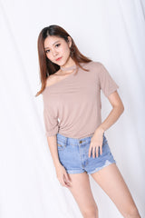 BASIC CHOKER DROP SHOULDER TOP IN TAUPE