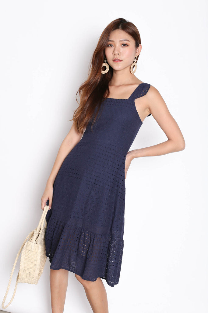 (PREMIUM) ZABEL EYELET DRESS IN NAVY - TOPAZETTE