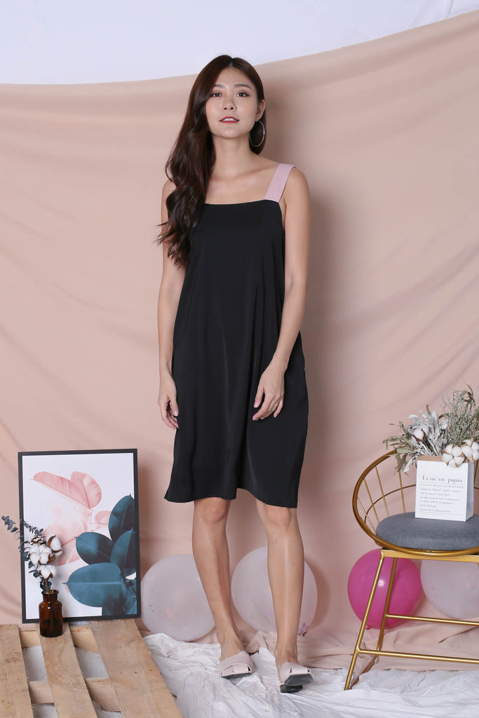 *TPZ* (PREMIUM) HELLIZ COLOURBLOCK STRAP DRESS (BLACK/ PINK) - TOPAZETTE