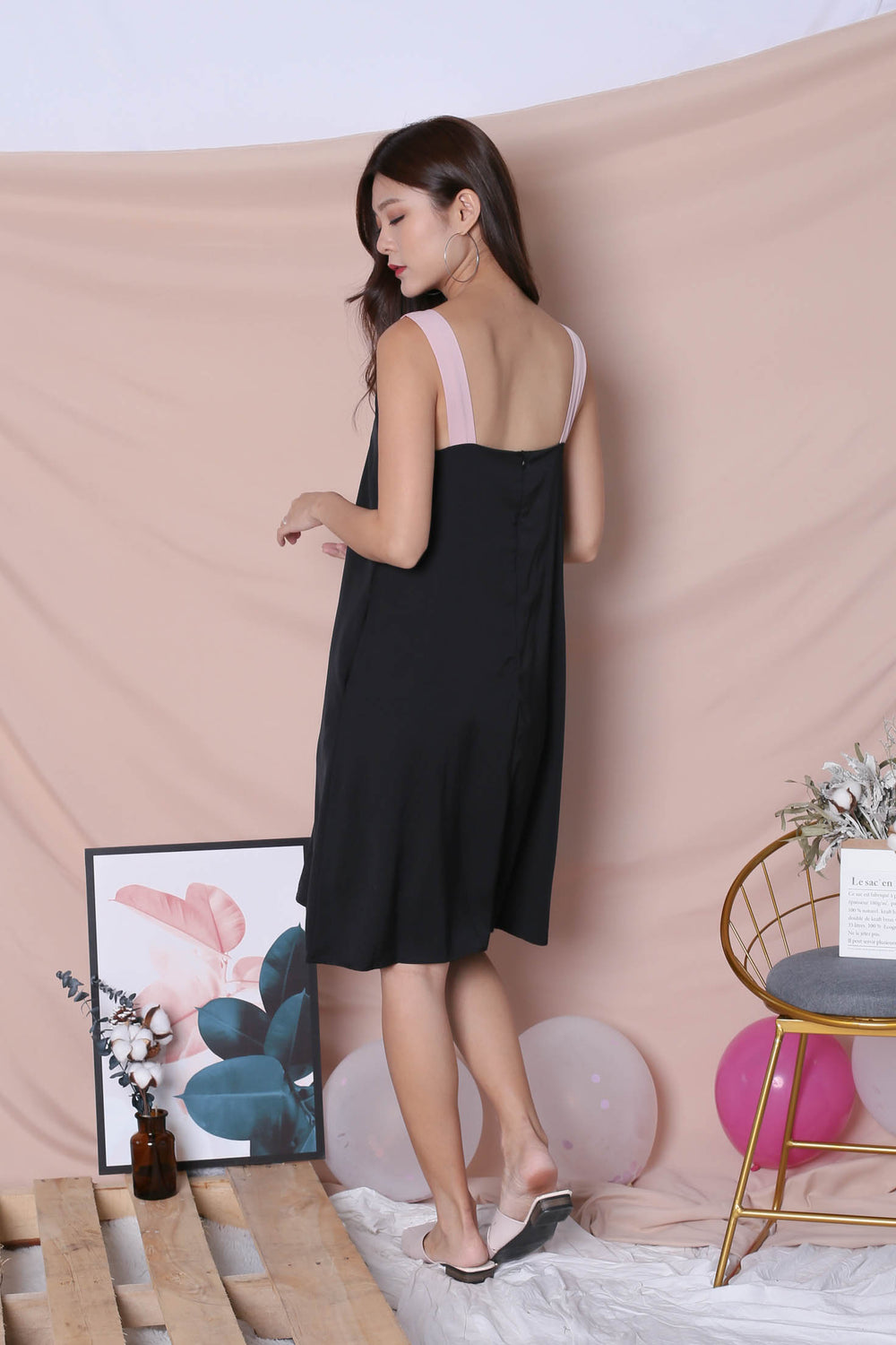 *TPZ* (PREMIUM) HELLIZ COLOURBLOCK STRAP DRESS (BLACK/ PINK)
