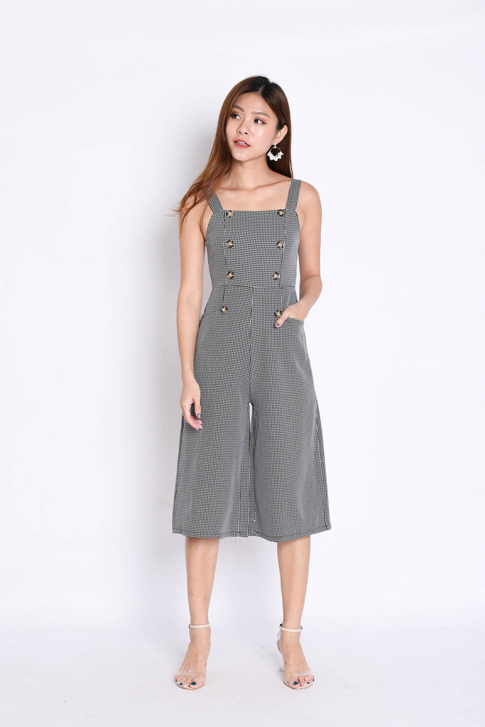 (PREMIUM) ULLA BUTTON GINGHAM CULOTTES JUMPSUIT IN BLACK - TOPAZETTE
