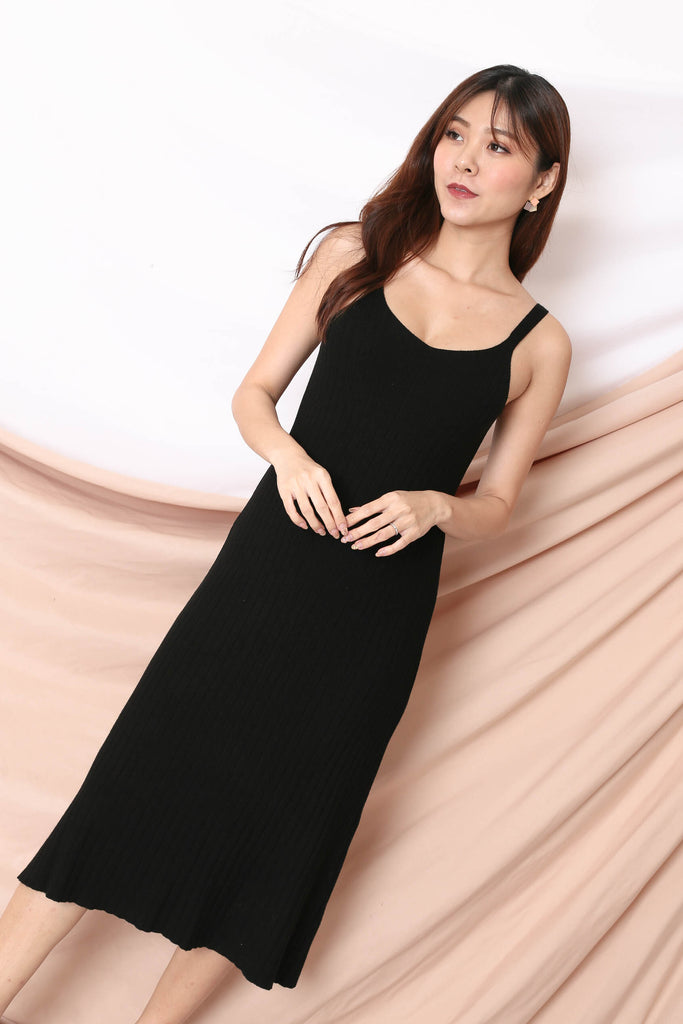 VALERIE KNIT DRESS IN BLACK
