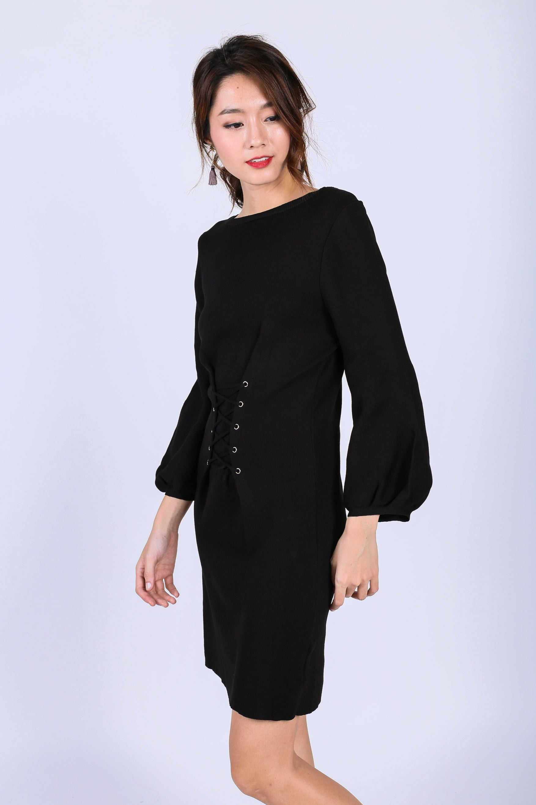 GWENYTH LACED KNIT DRESS IN BLACK