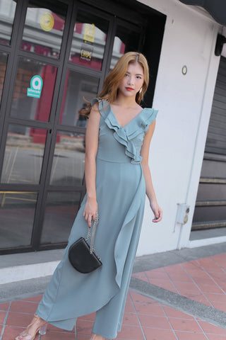 (PREMIUM) TALYSE JUMPSUIT IN DUSTY CYAN