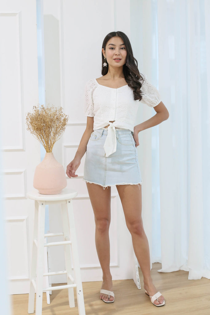 *TPZ* (PREMIUM) DANIELLA EYELET SWEETHEART TOP IN WHITE
