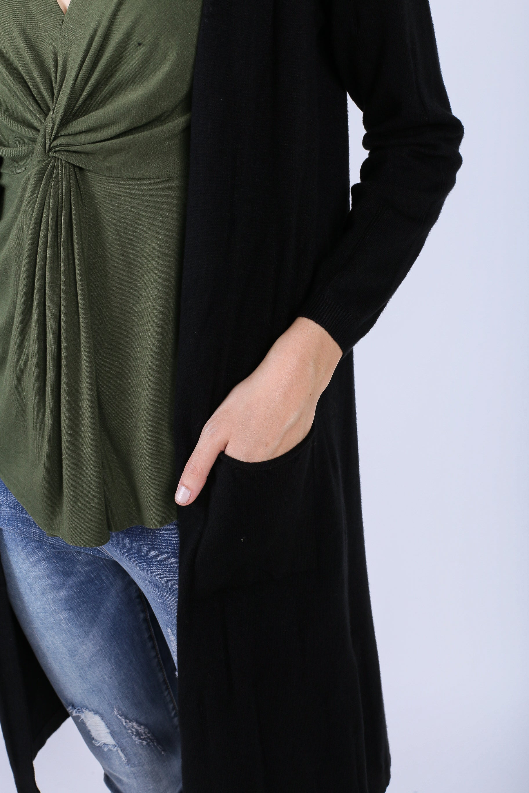 SOFT KNIT LONGLINE CARDIGAN IN BLACK