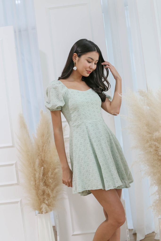 *TPZ* (PREMIUM) ELAYNA EYELET SWEETHEART DRESS IN SAGE