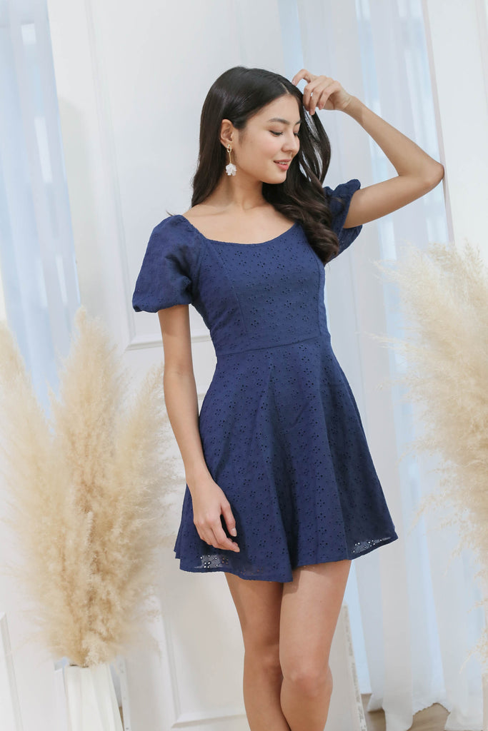 *TPZ* (PREMIUM) ELAYNA EYELET SWEETHEART DRESS IN NAVY