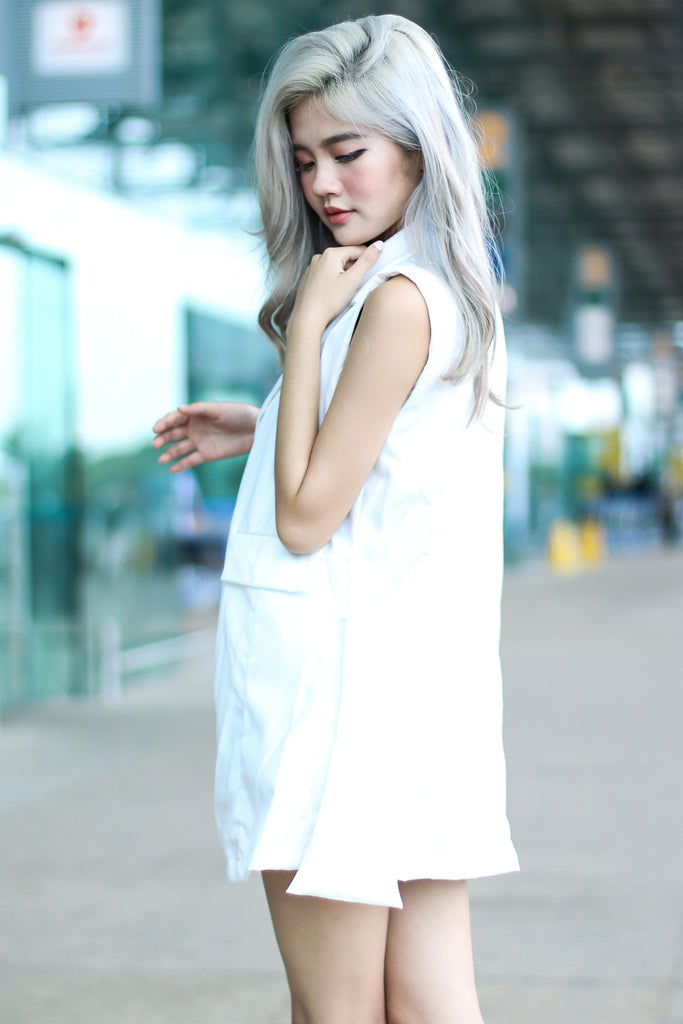 WRAP TIE VEST IN WHITE