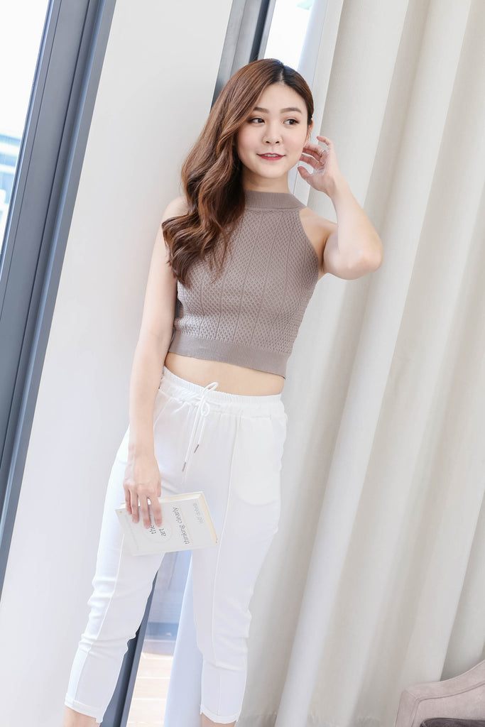 ELICIA KNIT CROP TOP IN TAUPE