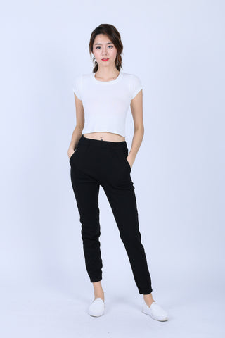 KNIT JOGGER PANTS IN BLACK