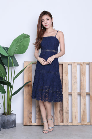TOPAZ *PREMIUM* MIA LACE MIDI DRESS IN NAVY