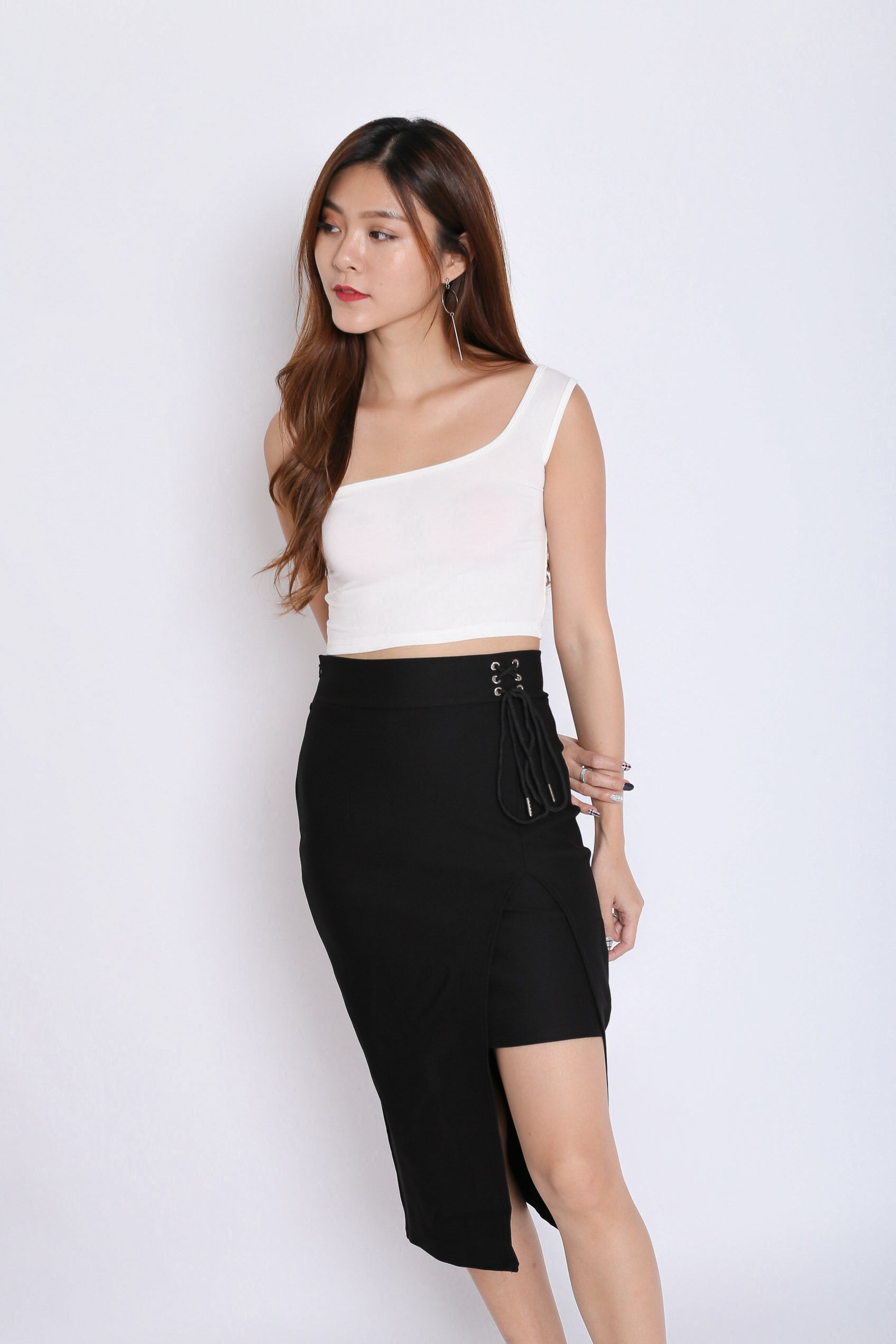 *BACKORDER* BASIC TOGA SQUARE CROP TOP IN WHITE