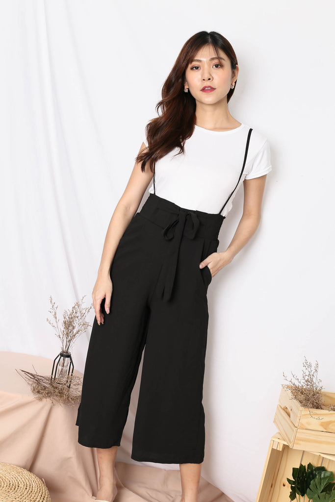 SKYLER DUNGAREE JUMPSUIT IN BLACK