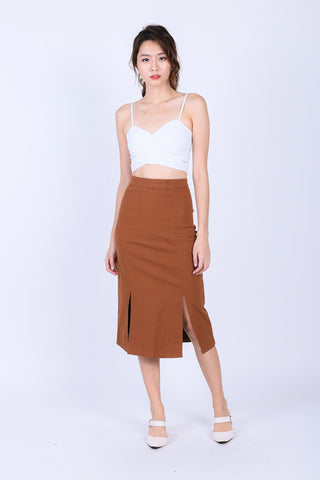 RENLY SLIT PENCIL SKIRT IN CAMEL
