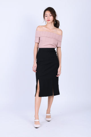 RENLY SLIT PENCIL SKIRT IN BLACK