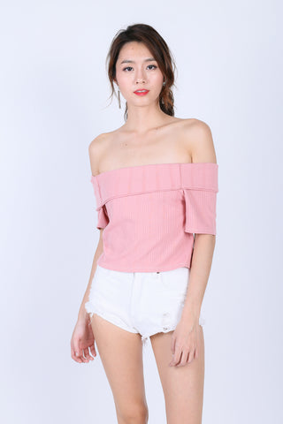 AVIANA OFF SHOULDER KNIT TOP IN BABY PINK