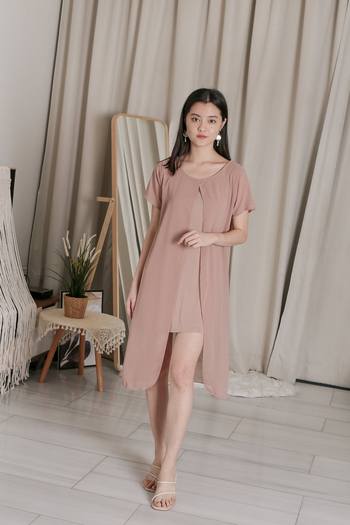 VIV CHIFFON SLEEVED DRESS IN TAUPE
