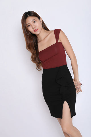 RUFFLES BODYCON SKIRT IN BLACK