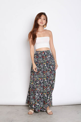 DAINTY FLORAL SKIRT IN NAVY