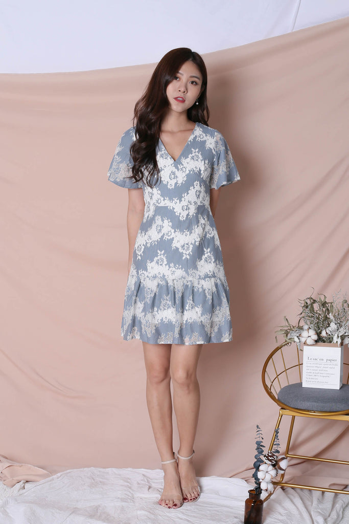 *TPZ* (PREMIUM) YVERE TWO TONE LACE DRESS IN BLUE/ WHITE