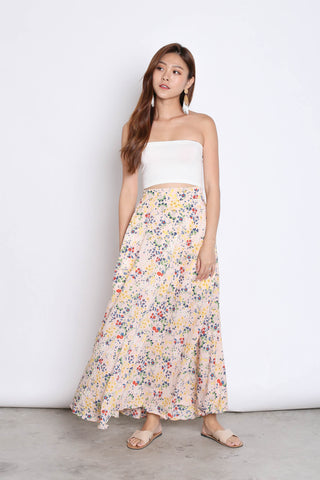 DAINTY FLORAL SKIRT IN FADED PINK