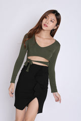 BASIC CROP TIE WAIST TOP IN ARMY GREEN