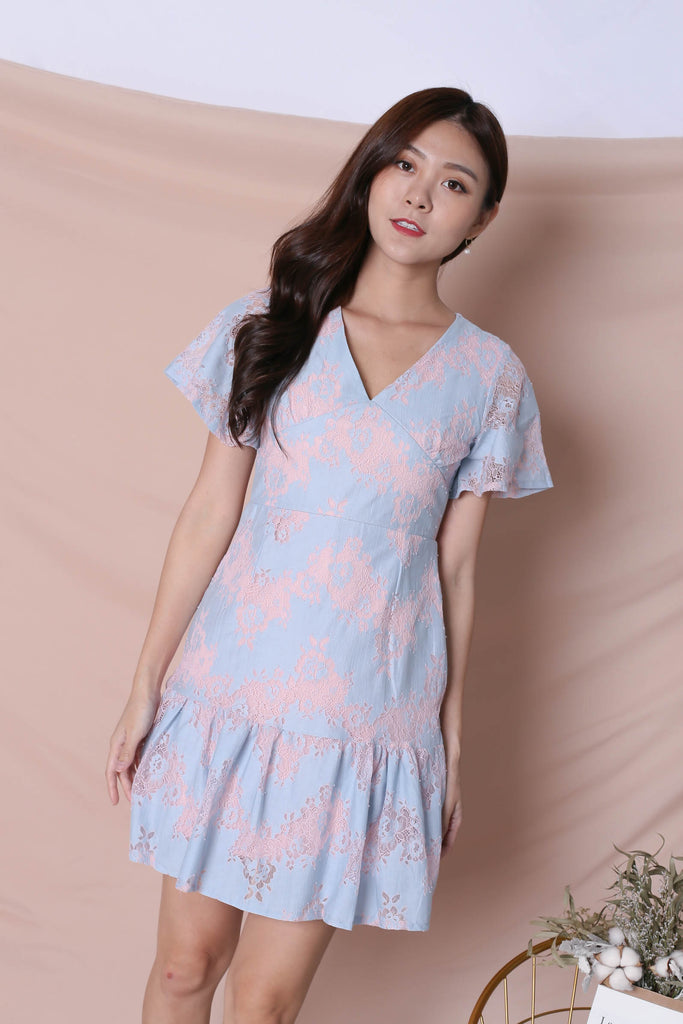 *TPZ* (PREMIUM) YVERE TWO TONE LACE DRESS IN PASTEL PINK/ BLUE - TOPAZETTE