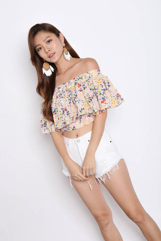 DAINTY FLORAL TOP IN FADED PINK