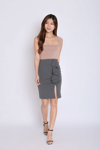 RUFFLES BODYCON SKIRT IN DARK GREY