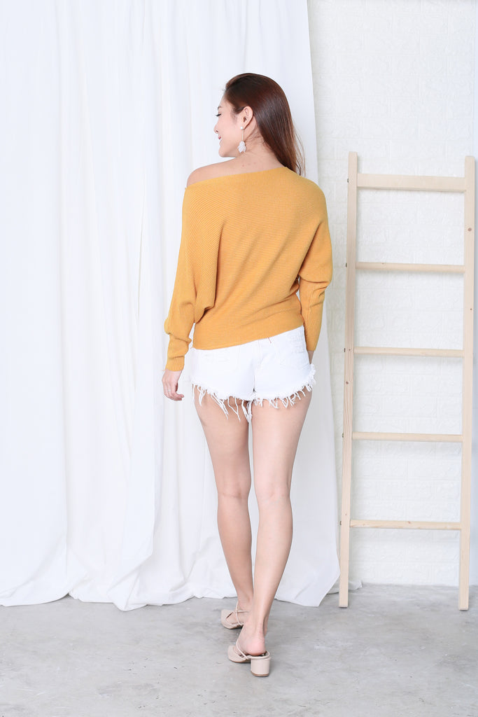 LEIA SLOUCH KNIT TOP IN MUSTARD