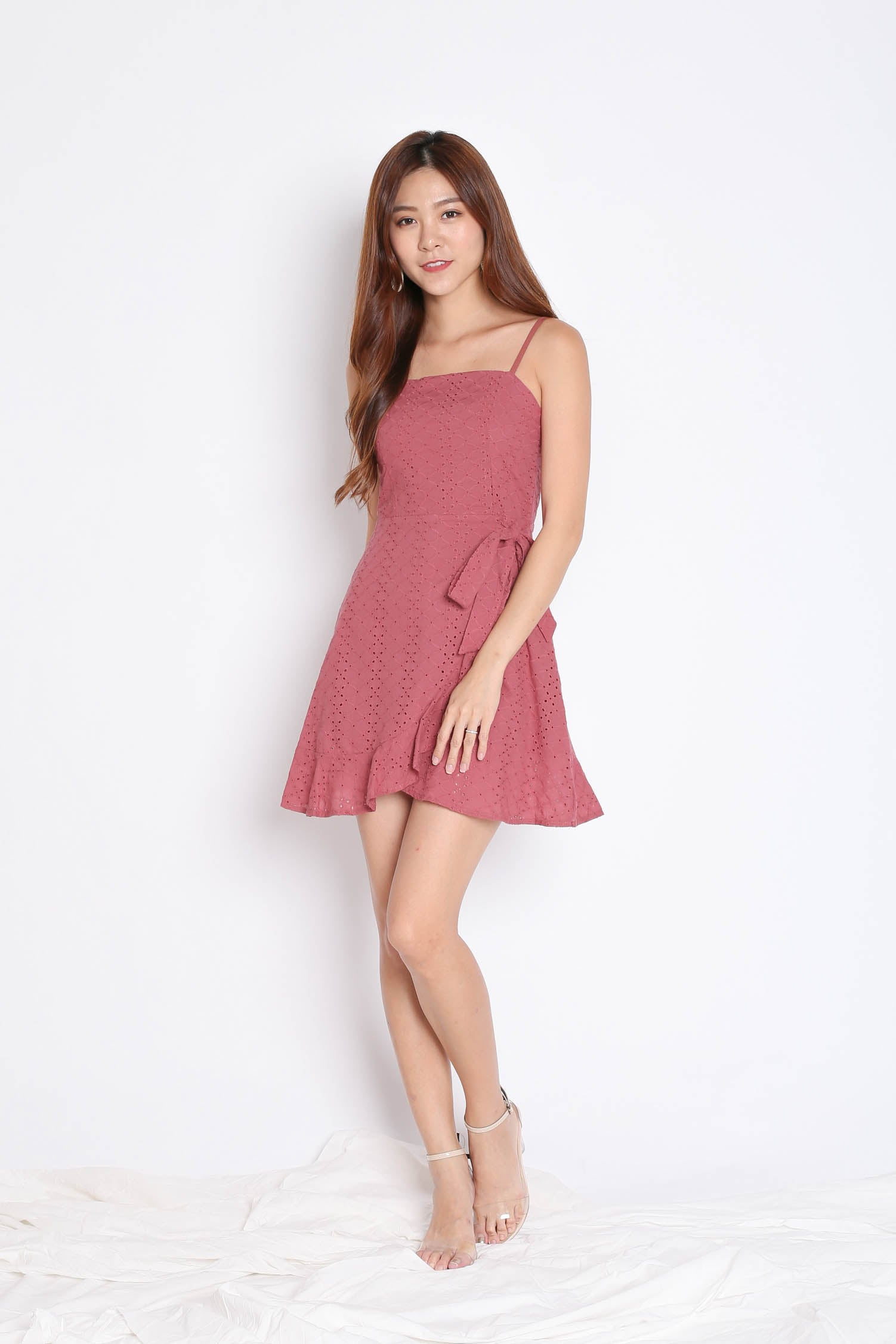 (PREMIUM) MAZEL EYELET WRAP DRESS IN PINK