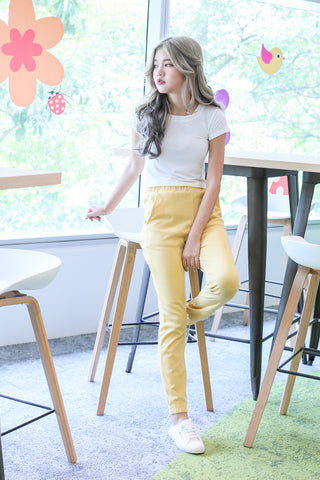 KNIT JOGGER PANTS IN PASTEL YELLOW