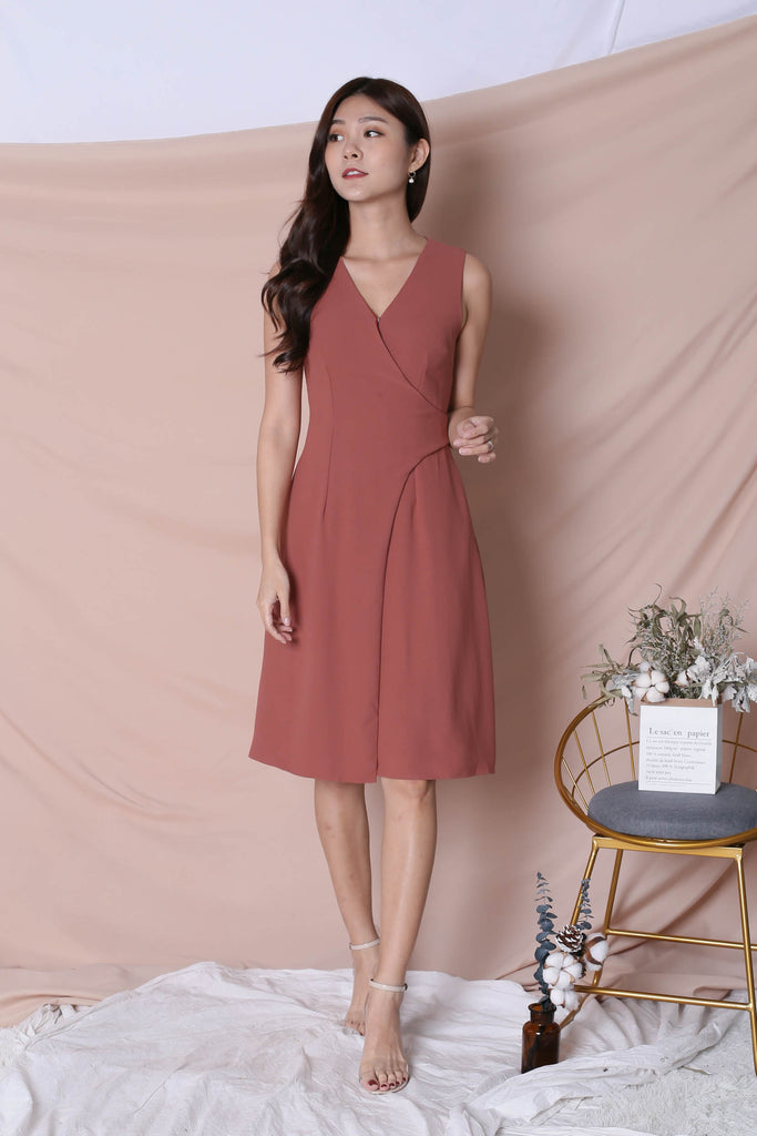 *TPZ* (PREMIUM) ULISSA OPEN BUTTON DRESS IN DUSTY CORAL - TOPAZETTE