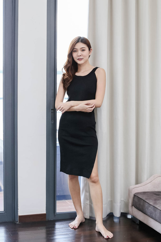 HIDEKO KNIT DRESS IN BLACK