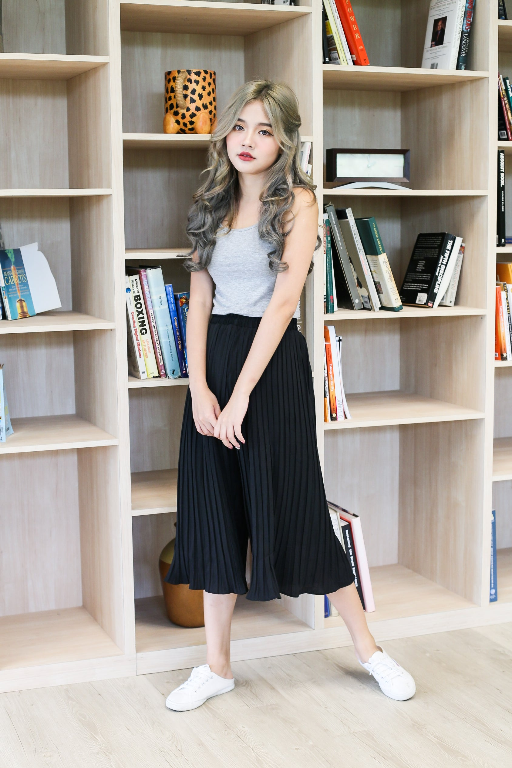 ERR DAY PLEATED CULOTTES IN BLACK