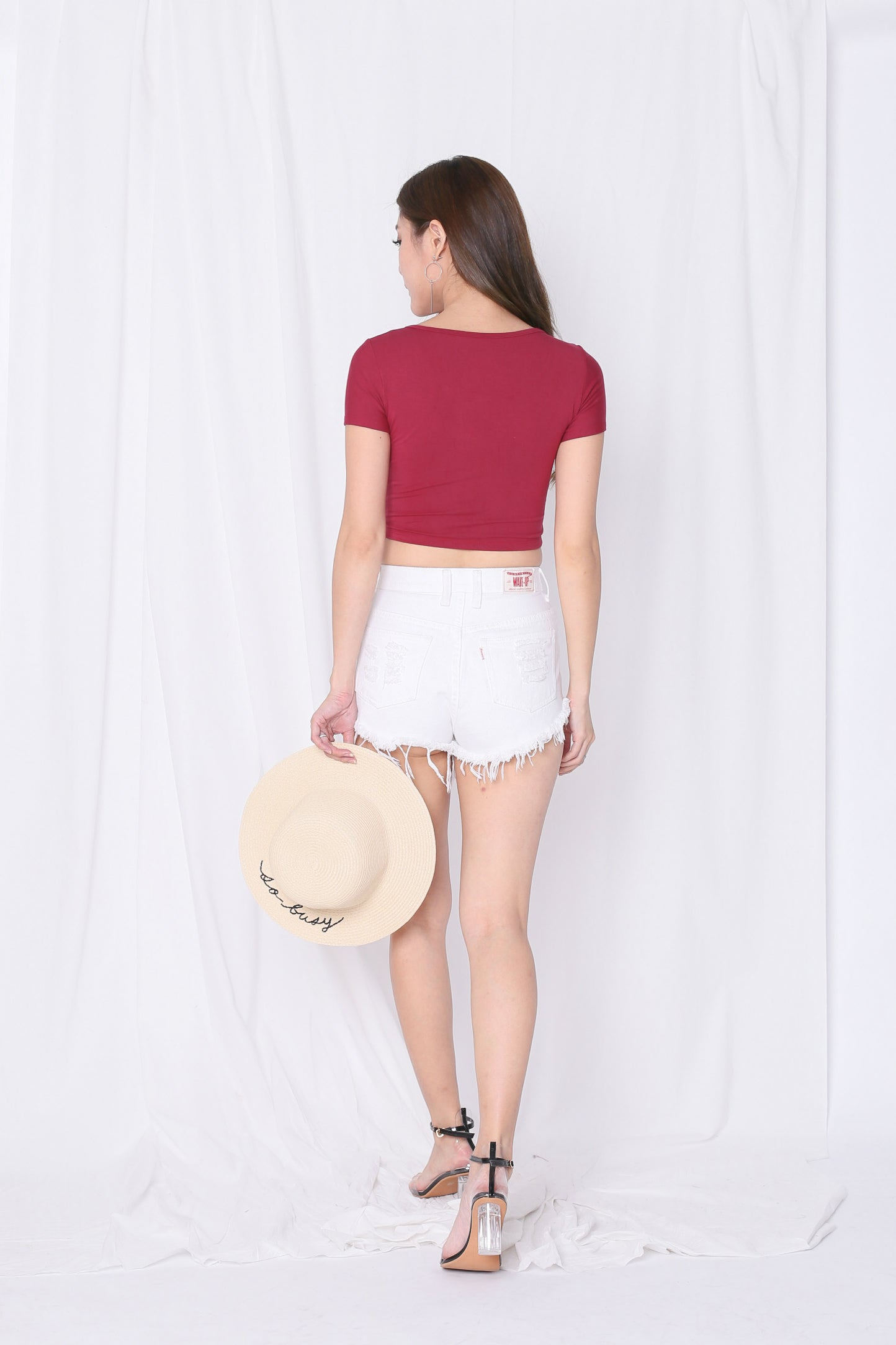 *RESTOCKED* BASIC BUTTON CROP TOP IN WINE