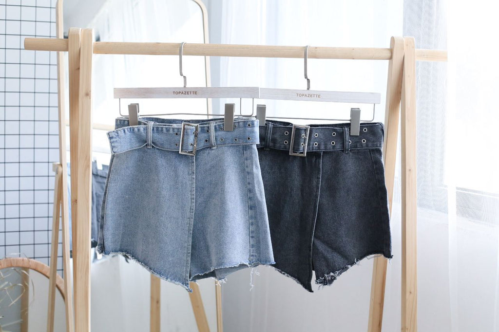 WINOLA DENIM SKORTS WITH BELT IN BLUE