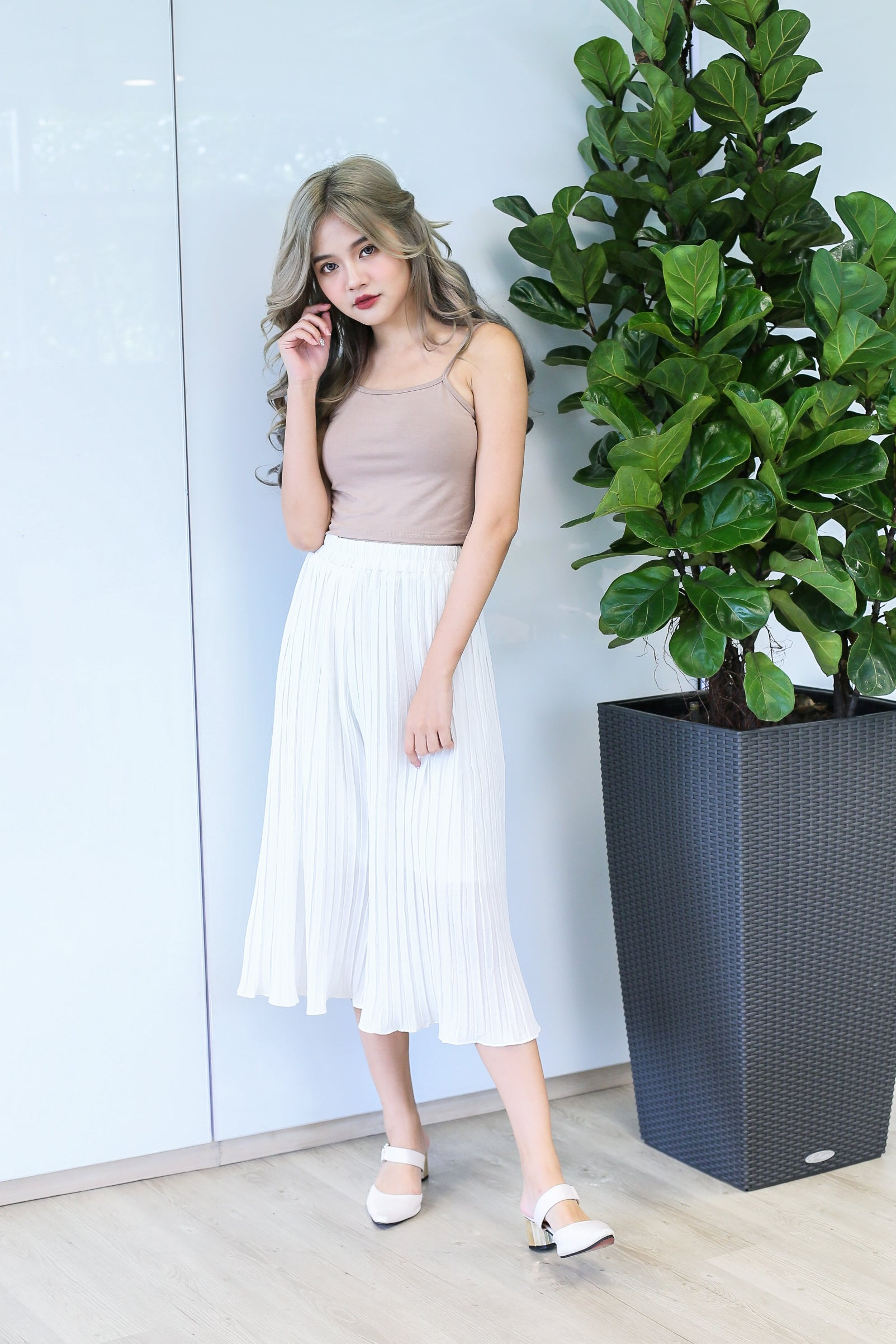 ERR DAY PLEATED CULOTTES IN WHITE