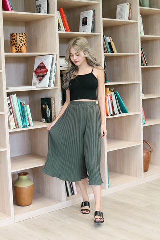 ERR DAY PLEATED CULOTTES IN ARMY GREEN
