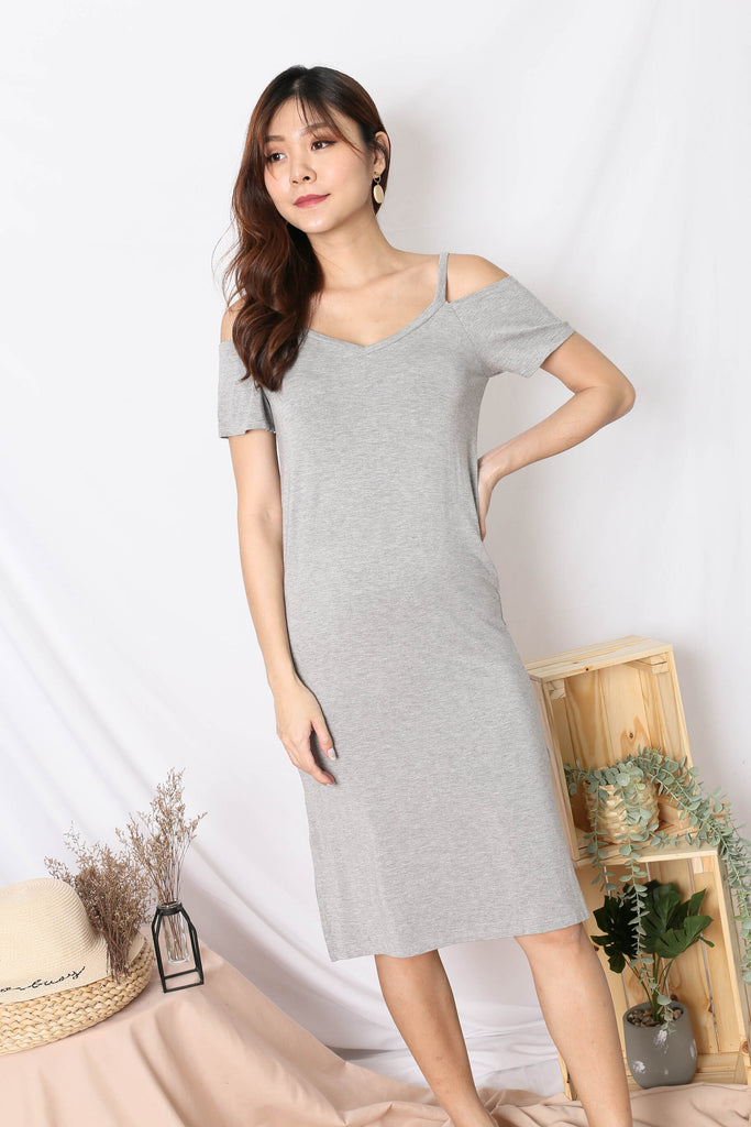 REAGAN COLD SHOULDER RELAXED DRESS IN LIGHT GREY