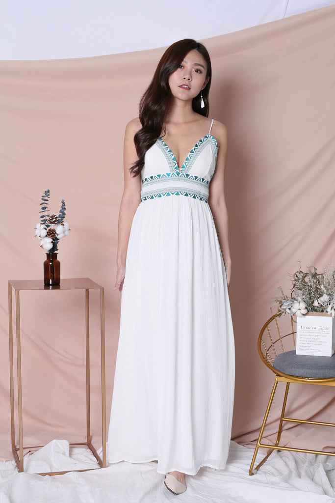 *BACKORDER* BIANCA EMBROIDERY MAXI DRESS IN WHITE