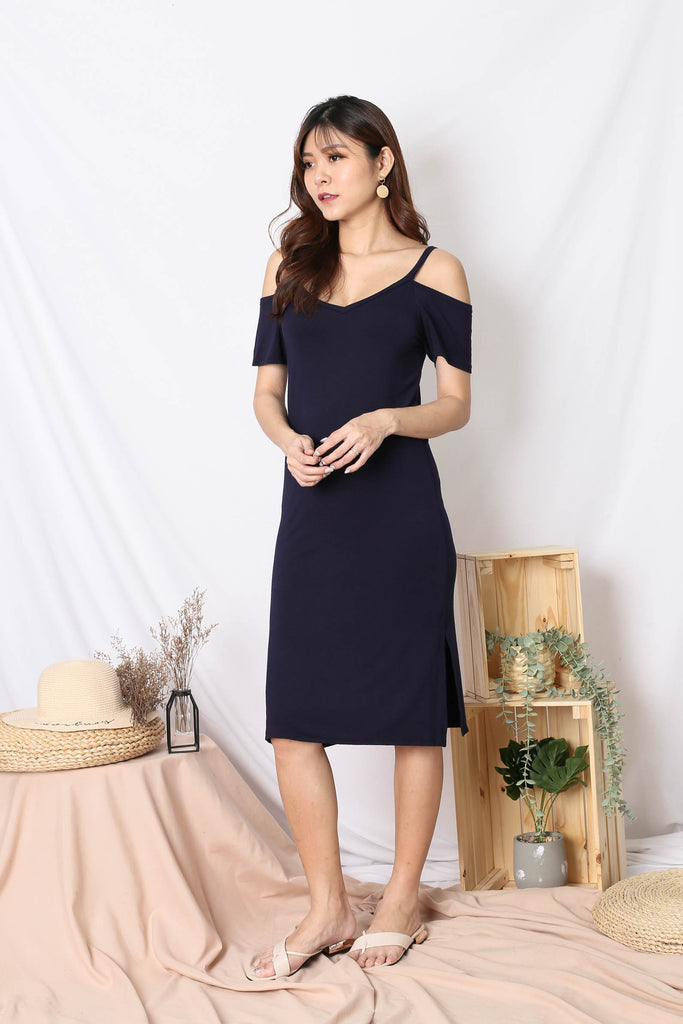REAGAN COLD SHOULDER RELAXED DRESS IN NAVY