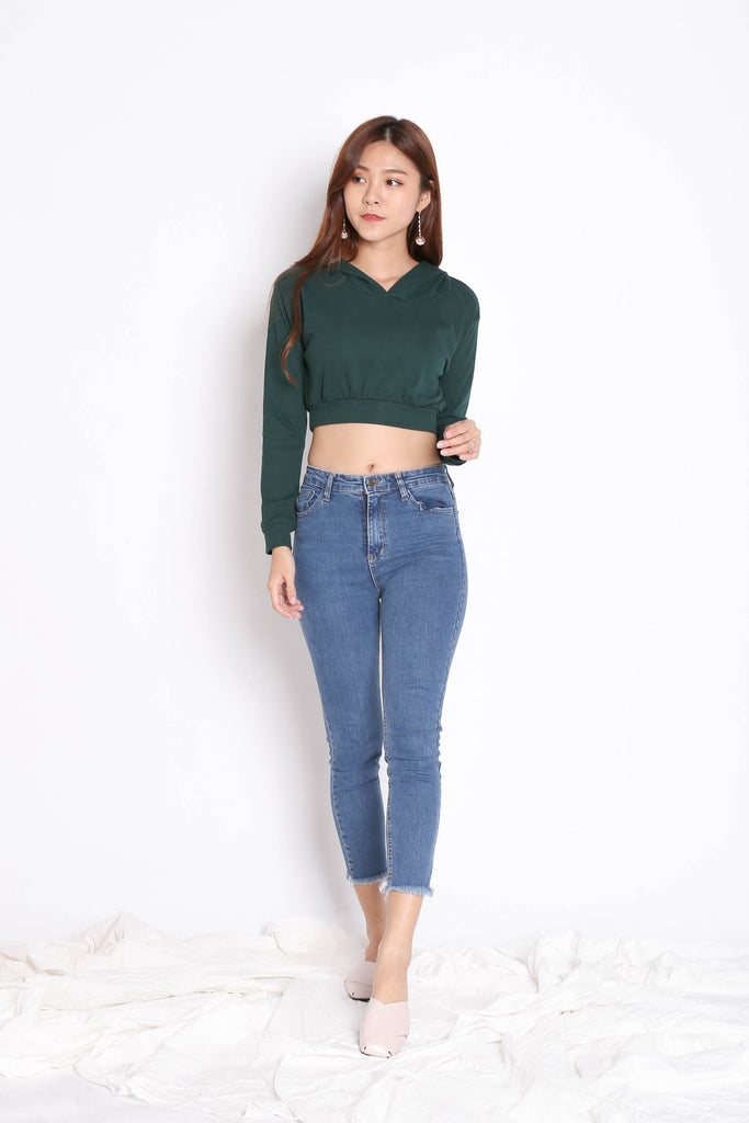 RIBBED CROP HOODIE TOP IN FOREST - TOPAZETTE