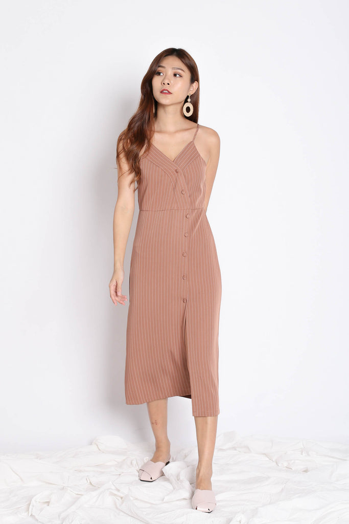 REIGN STRIPES BUTTON DRESS IN TAUPE